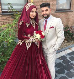 Esra ❤️ Dursun Türban Make up bride Hijabi Wedding, Muslimah Wedding Dress, Muslim Wedding Dresses, Wedding Gowns, Red Bridesmaids, Red Bridesmaid Dresses, Bridal Dresses, Flower Girl Dresses, Bridal Hijab