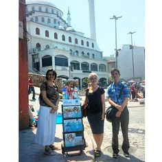 Public witnessing in front of a mosque in Istanbul, Turkey. Photo shared by @mazz1189