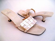 Leather slide sandals with pearl-colored Capiz shell detail - Fendi