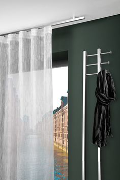 Curtain rod for the ceiling ❤ Varied pleats ❤ Enchanting panel curtains ❤ Loving blinds ❤ Great curtains ❤ Drop by and be inspired! Flexible Curtain Track, Sliding Panels, Steel Curtain, Drapes Curtains, Drapery, Curtain Rods, Storage Spaces, Blinds, Ceiling
