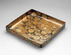 Clothing Tray  Japan, Momoyama Period  The Museum of Fine Arts, Boston