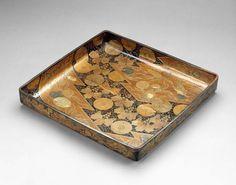 Clothing Tray  Japan, Momoyama Period (16 Century)   The Museum of Fine Arts, Boston  ボストン美術館衣類トレイ日本、桃山時代