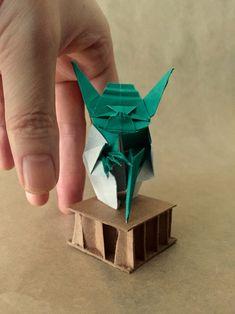 Origami Jedi Master Yoda Designed by Origami Yoda, Wood Oil, Paper Folding, My Works, Starwars, Design, Miniatures, Manualidades, Star Wars