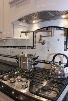 Pot filler backsplash ideas kitchen, kitchen backsplash и ba White Kitchen Counters, White Kitchen Decor, Kitchen Colors, New Kitchen, Kitchen Design, Kitchen Ideas, Apartment Therapy, Pot Filler, Kitchen Images