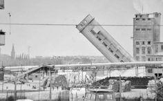 982 - Cartiera Burgo - Demolizione della torre del bisolfito.
