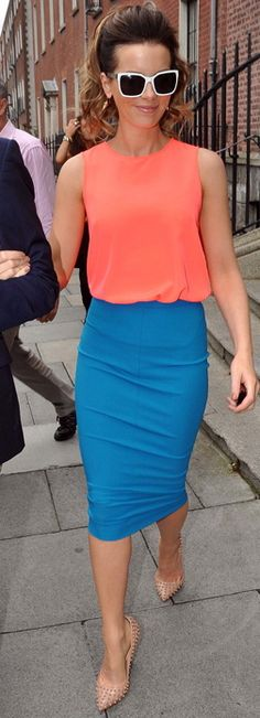 #KateBeckinsale : Tangerine Top and Blue Pencil Skirt. What a gorgeous 50's Hollywood outfit! Shop #DMLooks at DivaMall.tv