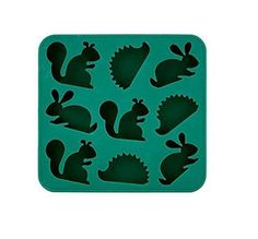 See the Frost for the Trees Ice Cube Tray. Spruce up your mojitos and lemonade punch with the playful woodland creatures cast by this Kikkerland ice cube tray! Woodland Creatures, Woodland Animals, Woodland Critters, Forest Animals, Vintage Kitchen, Retro Vintage, Silicone Ice Trays, Silicone Molds, Ice Cube Trays