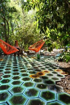 Love the orange chairs Outdoor Tiles, Outdoor Spaces, Outdoor Decor, Outdoor Living, Patio Tiles, Outdoor Flooring, Patios, Patio Interior, Interior Exterior