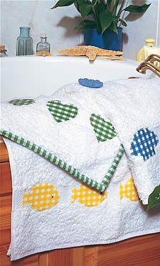 Transforme toalhas brancas em um presente romântico e alegre.