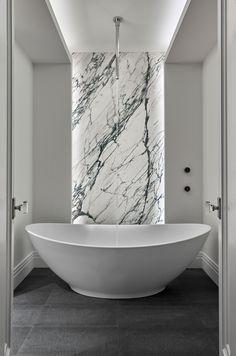 Ideas Bathroom Shower Room Black And White White Marble Bathrooms, Small Bathroom, Bathroom Ideas, Bathroom Black, Bathroom Designs, Bathroom Goals, Bathroom Modern, Minimalist Bathroom, Bath Ideas