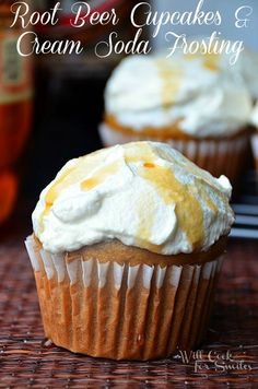 Root Beer Cupcakes With Cream Soda Frosting | willcookforsmiles.com