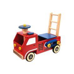 Loopauto en Duwkar in één!     Deze loop – duwwagen , model brandweer van het merk I'M Toy, is voorzien van rubberen wielen. De brandweerauto heeft een claxon op het stuur, een megafoon, een walkie talkie en natuurlijk een oprolbare brandweerslang.     Afm.: L65 x B22 x H 51,5 (duwstang). Hoogte zitvlak 23 cm