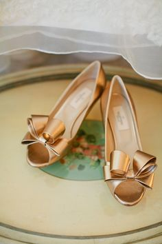 Valentino Shoes ~ Pretty!! Photography by loveisabigdeal.com