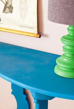 Wij houden van Giverny de Nieuwe kleur Chalk Paint van Annie Sloan.  Nous aimons la nouvelle couleur Giverny dans la gamme de Chalk Paint d'Annie Sloan. #AnnieSloan #ChalkPaint #PaintedFurniture