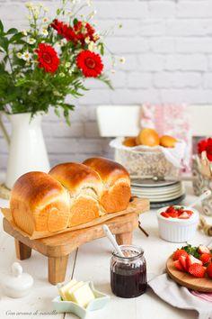 Con aroma de vainilla - Recetas de repostería: Pan de leche japonés Hokkaido Loaf Bread Recipe, Babka Recipe, Pan Bread, Bread Baking, Bread Recipes, Hokkaido Milk Bread, Sweet Dough, Pan Dulce, Pastry And Bakery