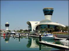 Yas Marina & Yacht Club - Yas Island - Abu Dhabi .... {por Bassam}
