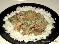 veganes Tofu-Ragout mit Erbsen und Champignons