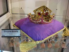 Princess Aurora Crown | D23 Expo: efx Collectibles - Princess Aurora's Crown