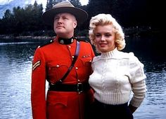 """A recently """"found"""" never before """"published"""" photo of Marilyn Monroe with a real Royal Canadian Mountie. I thought it was/is stunning, and the Mountie looks so proud! Classic Hollywood, Old Hollywood, Hollywood Glamour, Hollywood Stars, Hollywood Actresses, Divas, Fotos Marilyn Monroe, Mazzy Star, Photos Rares"""