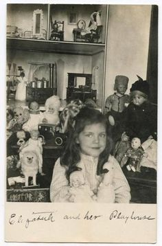 doll in Antique (Pre-1940) |