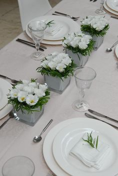 ideas for flowers wedding pink table simple Beautiful Table Settings, Wedding Table Settings, Wedding Table Centerpieces, Elegant Table Settings, Elegant Centerpieces, Table Wedding, Table Arrangements, Floral Arrangements, Pink Table