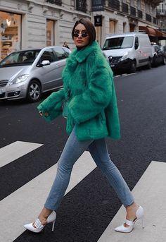 Los zapatos de invitada que se llevan también con vaqueros son la última obsesión del street style. Chic Outfits, Winter Outfits, Dress Outfits, Fashion Outfits, Womens Fashion, Fashion Fashion, Fashion Shoes, Jean Moda, Mode Ootd