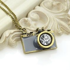 Cute Retro Antique Camera Pendant Necklace BRAND NEW - ALL ORDERS SHIP THE SAME DAY Jewelry Necklaces