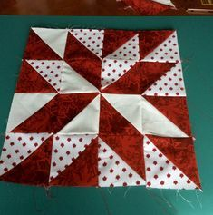 44 New Ideas Patchwork Patrones Estrella Pinwheel Quilt Pattern, Quilt Square Patterns, Patchwork Quilt Patterns, Beginner Quilt Patterns, Quilt Block Patterns, Colchas Quilting, Machine Quilting, Quilting Designs, Quilting Projects