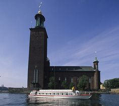 Stockholm Sightseeing | Guided sightseeing by boat | Historical Canal Tour