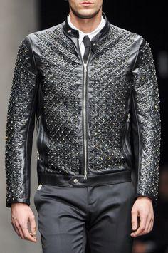 +++ John Richmond + Autumn / Fall / Winter 2014 2015 + Men's Collection +++  #fall2014 #winter2014 #fashionweek #milan #milano #mfw #invierno2014 #FallWinter2014 #sfilata #sfilate #primavera2014 #collezioni #runway #moda #fashion #mode #ファッション #时尚 #유행 #موضة #JohnRichmond  @JohnRichmondOfficial @ISAZAalejandro