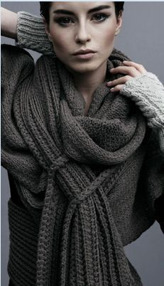 Tom Scott: Layered grey Is it a scarf? a sweater? all I know it's fabulous and I love the model's makeup Mode Style, Style Me, Tom Scott, Fashion Business, Casual Chique, Look Fashion, Womens Fashion, Grey Fashion, Mode Inspiration