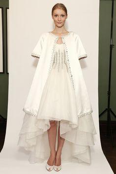 Vestido de novia y abrigo de Temperley London (FW 2014) #weddingdresses #NYBW