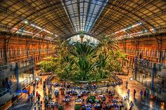 Can Juan give us the Location? Retail Architecture, Foto Madrid, Natural Park, Local Attractions, Metro Station, Spain And Portugal, Spain Travel, Where To Go, Beautiful Pictures