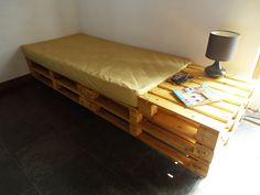 http://www.casacompallet.com.br/cama-de-solteiro-de-pallet-faz-sucesso/