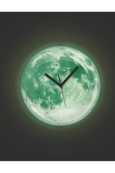 ► Glow in the dark Moon Clock ~ Would be adorable in a space theme kids room or even as a night light