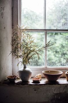 House Remodeling Is Residence Improvement Leach Pottery St Ives. Love This Window With Ceramics And Plants Natural Homes, Natural Home Decor, Modern Vintage Homes, Vintage Home Decor, Through The Window, St Ives, Summer Travel, Creative Home, Cozy House
