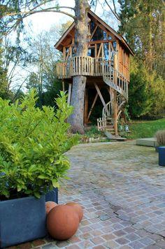 Lyons la Forêt Dec 2015 035 Tree House Deck, Lyons La Foret, Comme, House Styles, Home Decor, Treehouses, Cabins, Normandie, The Sea