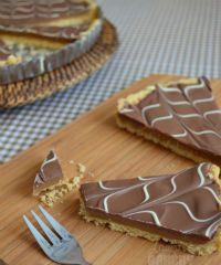 Home - Laura's Bakery Yummy Snacks, Snack Recipes, Twix Cake, Baking Bad, Fudge Pie, Shortcake Recipe, Sweet Bakery, Chocolate Pies, Happy Foods