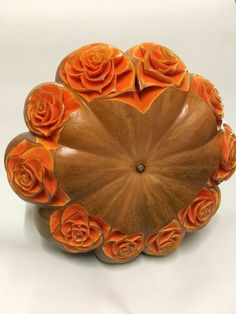 If you want to bring your creative fruits and veggie art to the next level, get inspired by this amazing carved food art from the best kitchen artists worldwide. Pumpkin Flower, Pumpkin Art, Pumpkin Carving, Veggie Art, Fruit And Vegetable Carving, Food Sculpture, Art Sculptures, Fruit Presentation, Food Carving