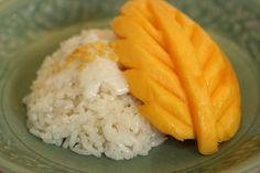 Thai Sweet Sticky Rice with mango & coconut milk (Khao Neeo Mamuang)