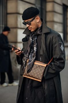 Vogue's street-style photographer Jonathan Daniel Pryce turns his lens on the French capital's best-dressed Fashion Week Hommes, Mens Fashion Week, Boy Fashion, Paris Fashion, Fall Fashion, High Fashion Men, Vogue Fashion, Urban Fashion, Fashion Pants