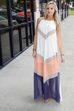 Feel like the ultimate goddess in this gorgeously flowing colorblock maxi! It's perfect for date nights, wedding season, or just when you want to add a little elegance to your day! Also availabe in mint/blue/indigo. Halter Maxi Dresses, Dress Skirt, Maxi Sundresses, Cheap Fashion, Affordable Fashion, Summer Outfits, Cute Outfits, Summer Clothes, Dresser