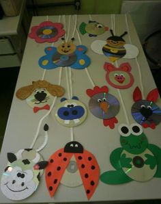 cd animals craft idea – Back to School Crafts – Grandcrafter – DIY Christmas Ideas ♥ Homes Decoration Ideas Kids Crafts, Preschool Crafts, Projects For Kids, Diy And Crafts, Arts And Crafts, Paper Crafts, Preschool Age, Recycled Cds, Recycled Crafts