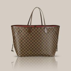 Neverfull GM Damier Ebene Canvas Legendary Neverfull GM: always exactly what you need it to be. Capacious but not bulky, structured yet supple, at home on the town or in the country. Cinch the side laces, and voilà! it's a sleek city bag. Loosen them and you have a chic, practical tote. The slim leather handles fit over the shoulder or on the arm.  Shown here in Damier Ebène canvas.