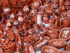 Buy some typical portuguese pottery Sintra Portugal, Spain And Portugal, Dream Recipe, Portuguese Culture, Everyday Dishes, Ceramic Coffee Cups, Art Activities For Kids, Portuguese Recipes, Azores