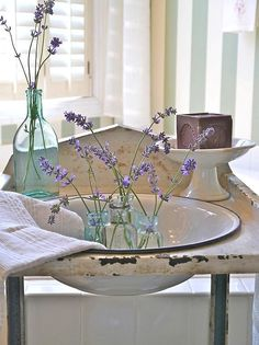 Chateau Chic: New Finds Spark Little Changes Lavender Cottage, Lavender Garden, Lavender Blue, Lavender Fields, French Lavender, Mauve, Vibeke Design, French Country Style, Country Charm