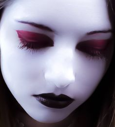 Blood Red Gothic Mascara Eye Lash Enhancer Cosplay Makeup from Dysfunctional Doll. Gothic Makeup, Fantasy Makeup, Cosplay Makeup, Costume Makeup, Dark Beauty, Gothic Beauty, Makeup Art, Eye Makeup, Doll Makeup