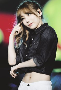 Uploaded by 태연°. Find images and videos about kpop, snsd and girls generation on We Heart It - the app to get lost in what you love. Girls' Generation Taeyeon, Girls Generation, Seohyun, Snsd, Taeyeon Fashion, Kim Tae Yeon, I Love Girls, Girl Bands, Korean Women