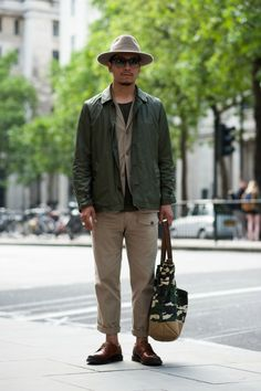 MILITAR GREEN IS BACK! #trend #streetstyle #menswear #men Street Style Archive | Women's & Men's Street Style at Coggles