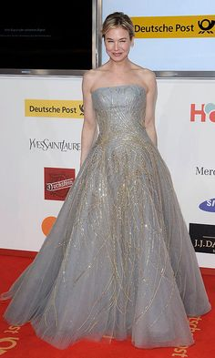 Renée dazzled in a grey and gold embellished gown at the 2011 Golden Camera Awards in Berlin, Germany.